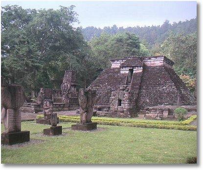Pyramid Candi Sukuh indonisia