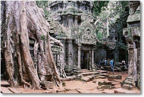 Angkor-Wat interior