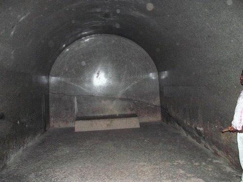Barabar interior002